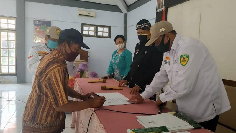 Baznas Kendal Menyerahkan bantuan kepada 10 Mustahiq Kecamatan Patebon